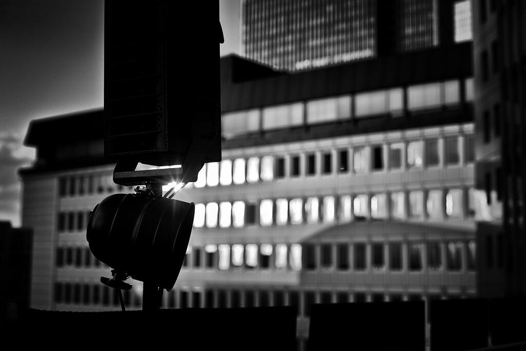 20120816-Deutschland-Frankfurt-Bahnhofsviertel-Nacht-Miaplacidus-Konzert-25h-Hotel-N-006-cape.jpg
